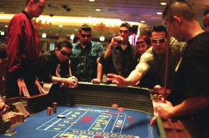 Learn how to play slot machines to win